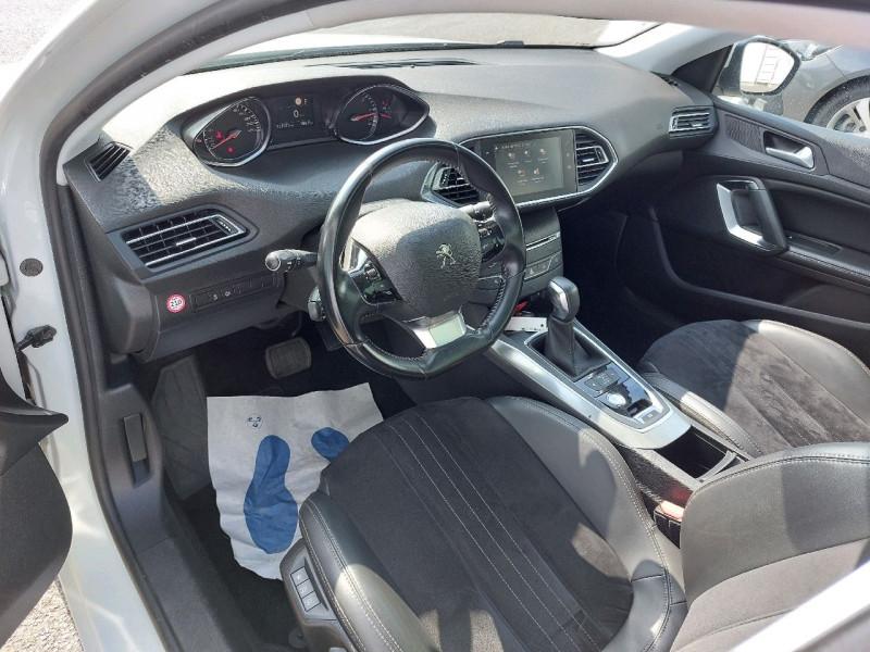 Photo 11 de l'offre de PEUGEOT 308 SW 1.6 BLUEHDI 120CH S&S ALLURE EAT6 à 13490€ chez Carlyss automobiles Vitré