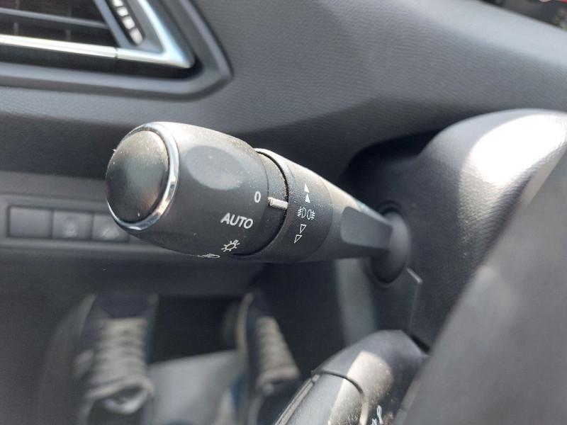 Photo 20 de l'offre de PEUGEOT 308 SW 1.6 BLUEHDI 120CH S&S ALLURE EAT6 à 13490€ chez Carlyss automobiles Vitré