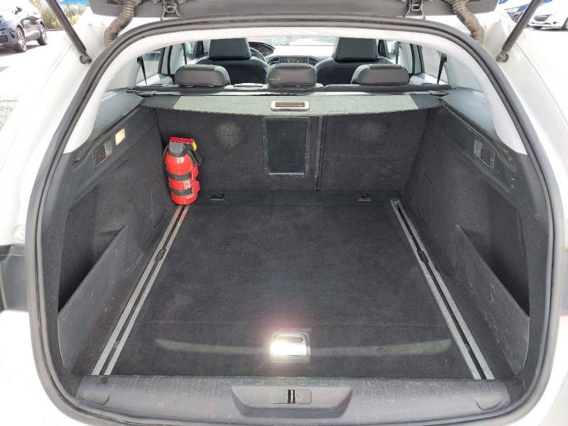 Photo 9 de l'offre de PEUGEOT 308 SW 1.6 BLUEHDI 120CH S&S ALLURE EAT6 à 13490€ chez Carlyss automobiles Vitré