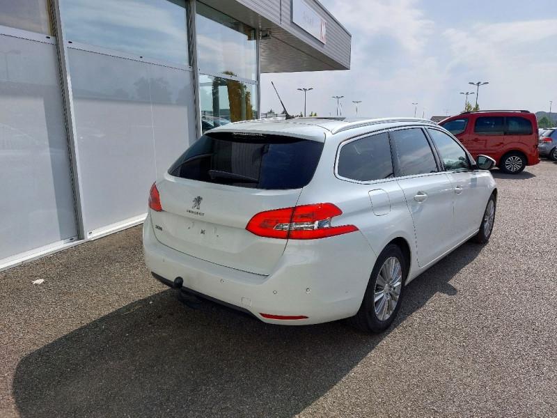 Photo 4 de l'offre de PEUGEOT 308 SW 1.6 BLUEHDI 120CH S&S ALLURE EAT6 à 13490€ chez Carlyss automobiles Vitré