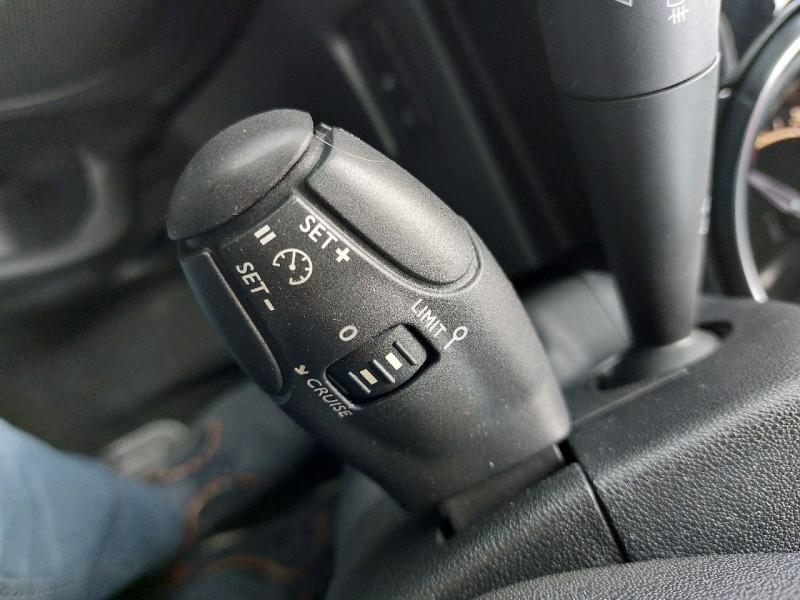 Photo 13 de l'offre de DS DS 3 BLUEHDI 100CH SO CHIC S&S à 10990€ chez Carlyss automobiles Vitré