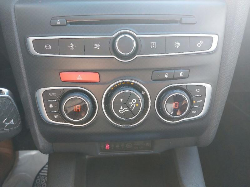 Photo 11 de l'offre de DS DS 4 BLUEHDI 150CH SO CHIC S&S à 15490€ chez Carlyss automobiles Vitré