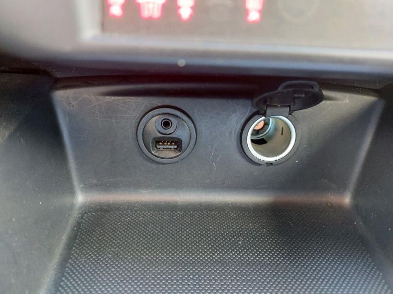 Photo 10 de l'offre de DS DS 4 BLUEHDI 150CH SO CHIC S&S à 15490€ chez Carlyss automobiles Vitré
