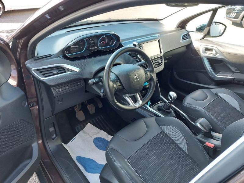 Photo 8 de l'offre de PEUGEOT 2008 1.6 E-HDI115 FAP ALLURE à 10990€ chez Carlyss automobiles Vitré