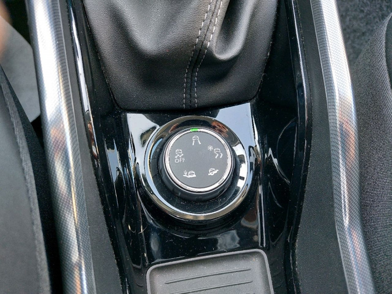 Photo 12 de l'offre de PEUGEOT 2008 1.6 E-HDI115 FAP ALLURE à 10990€ chez Carlyss automobiles Vitré