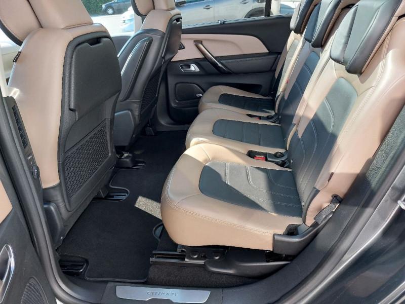 Photo 12 de l'offre de CITROEN GRAND C4 PICASSO BLUEHDI 150CH EXCLUSIVE S&S à 16490€ chez Carlyss automobiles Vitré