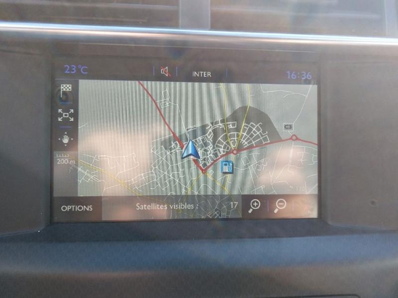 Photo 13 de l'offre de DS DS 4 BLUEHDI 150CH SO CHIC S&S à 15490€ chez Carlyss automobiles Vitré
