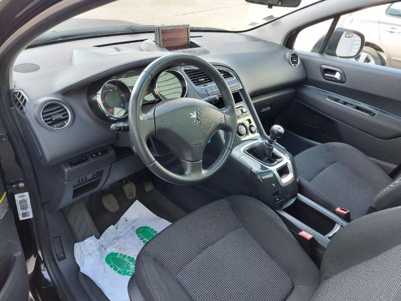 Photo 9 de l'offre de PEUGEOT 5008 2.0 HDI FAP PREMIUM PACK 5PL à 8490€ chez Carlyss automobiles Vitré