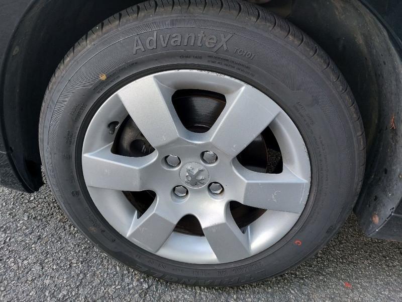 Photo 8 de l'offre de PEUGEOT 5008 2.0 HDI FAP PREMIUM PACK 5PL à 8490€ chez Carlyss automobiles Vitré