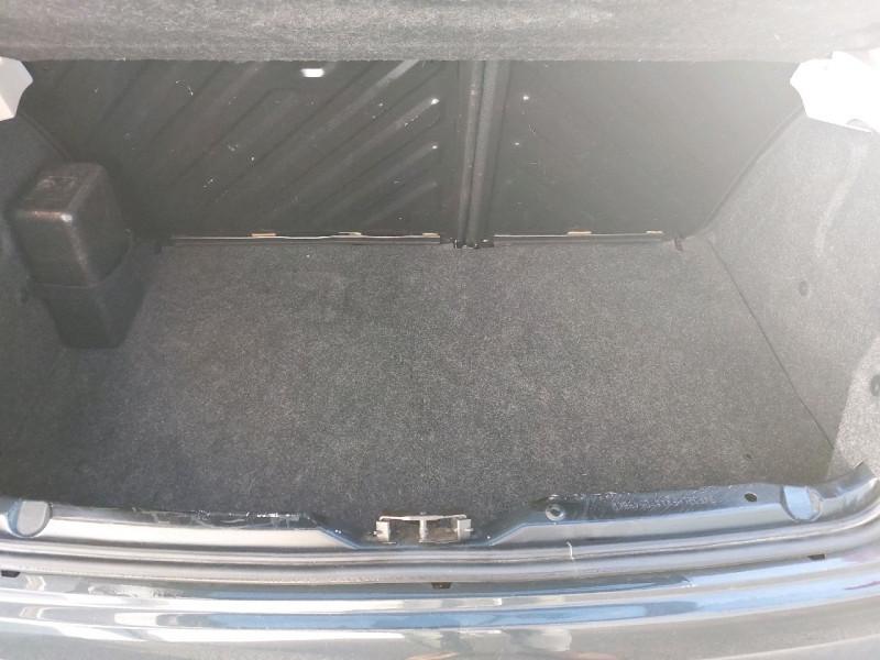 Photo 8 de l'offre de PEUGEOT 206 + 1.1 URBAN 3P à 4990€ chez Carlyss automobiles Vitré