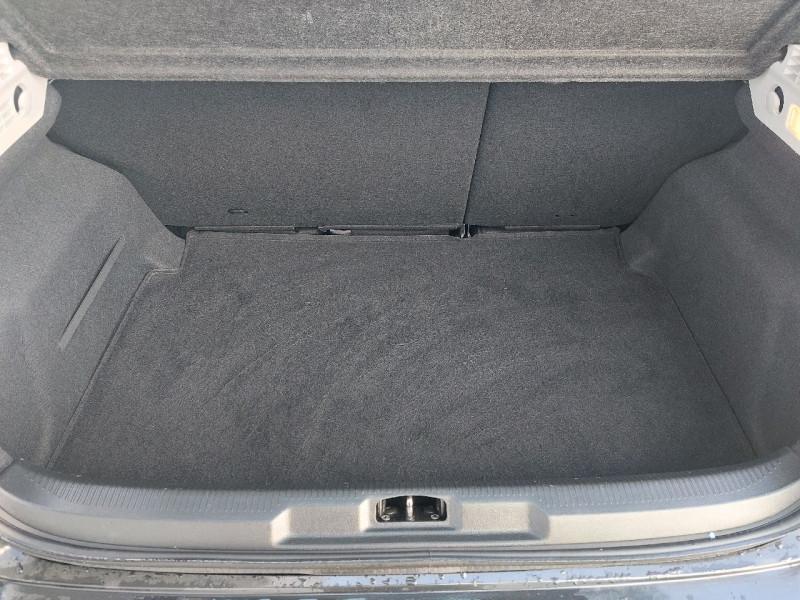 Photo 9 de l'offre de PEUGEOT 207 1.4 URBAN 5P à 6490€ chez Carlyss automobiles Vitré