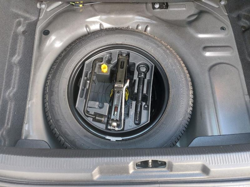 Photo 10 de l'offre de PEUGEOT 207 1.4 URBAN 5P à 6490€ chez Carlyss automobiles Vitré