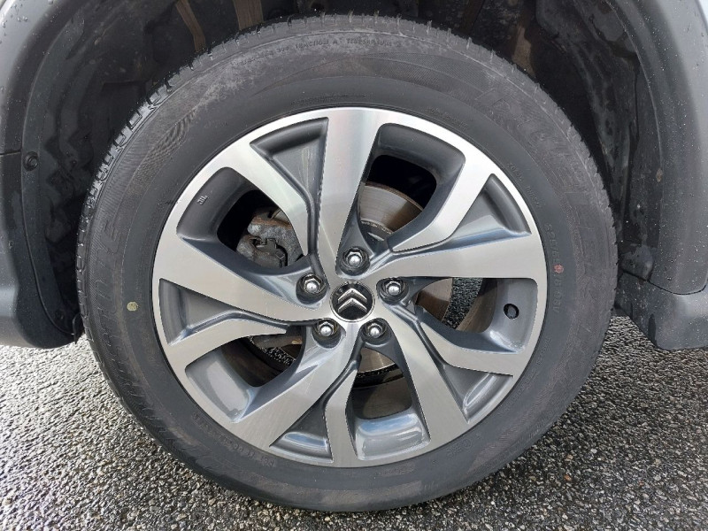 Photo 6 de l'offre de CITROEN C4 AIRCROSS 1.6 E-HDI115 4X4 EXCLUSIVE à 13490€ chez Carlyss automobiles Vitré
