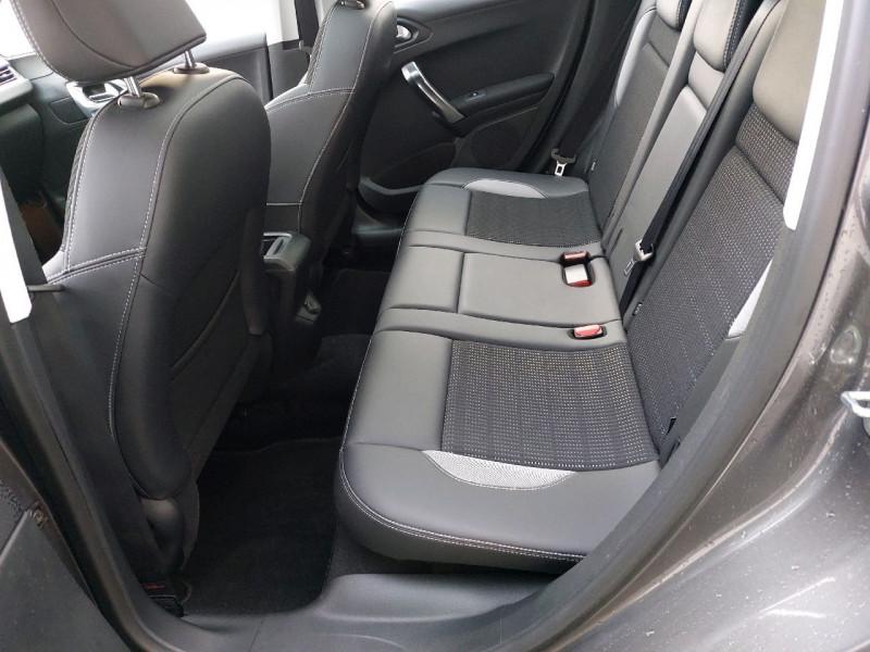 Photo 8 de l'offre de PEUGEOT 2008 1.6 E-HDI115 FAP ALLURE à 12290€ chez Carlyss automobiles Vitré