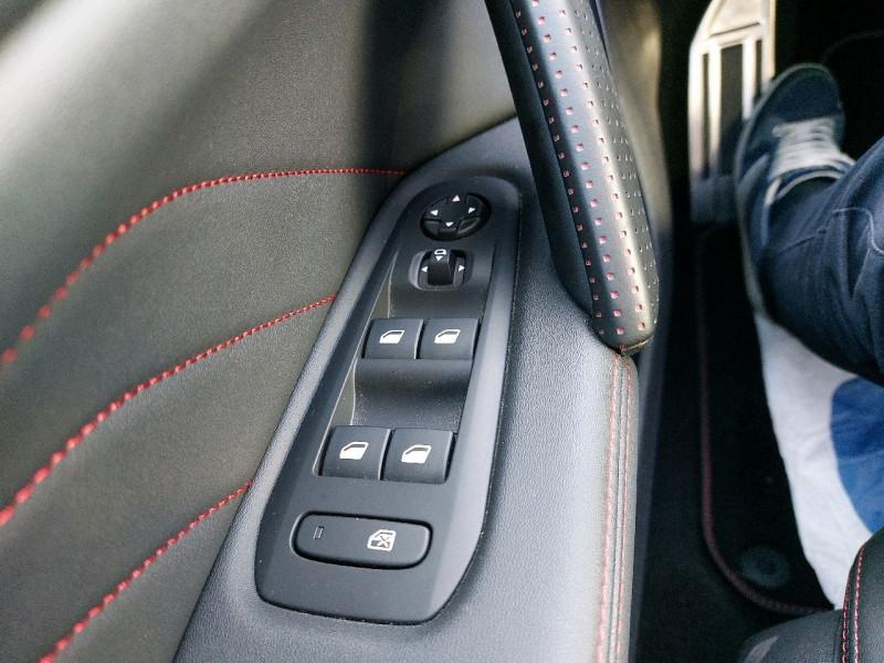 Photo 13 de l'offre de PEUGEOT 308 1.5 BLUEHDI 130CH S&S GT LINE EAT8 à 21790€ chez Carlyss automobiles Vitré