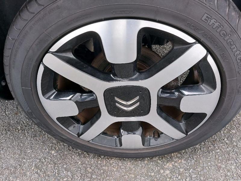 Photo 5 de l'offre de CITROEN C4 CACTUS BLUEHDI 100 SHINE à 11990€ chez Carlyss automobiles Vitré