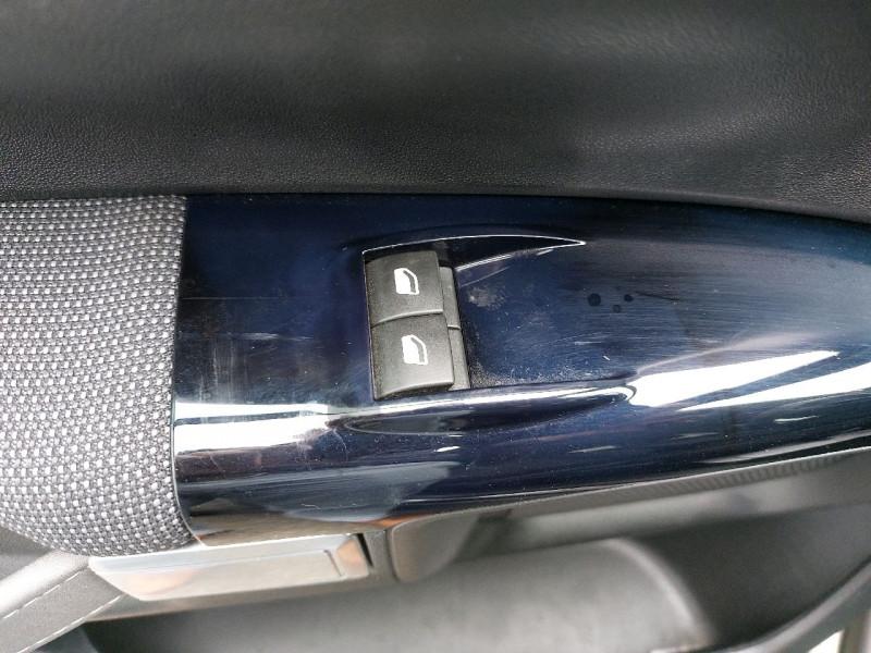 Photo 12 de l'offre de CITROEN C4 CACTUS BLUEHDI 100 SHINE à 11990€ chez Carlyss automobiles Vitré