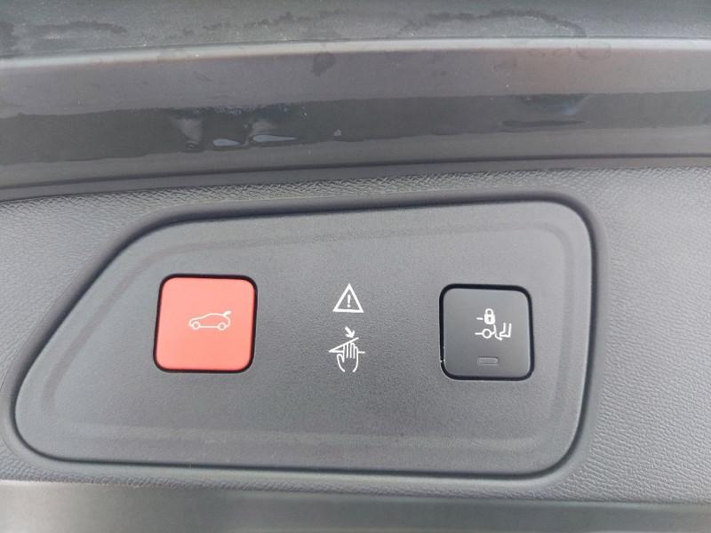 Photo 10 de l'offre de PEUGEOT 3008 1.5 BLUEHDI 130CH E6.C CROSSWAY S&S à 25490€ chez Carlyss automobiles Vitré