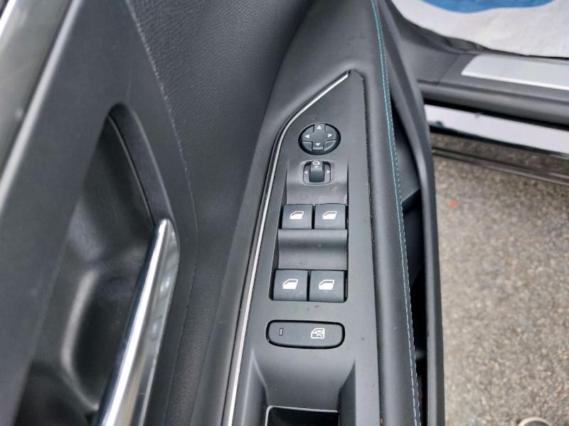 Photo 15 de l'offre de PEUGEOT 3008 1.5 BLUEHDI 130CH E6.C CROSSWAY S&S à 25490€ chez Carlyss automobiles Vitré