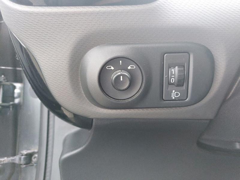 Photo 13 de l'offre de CITROEN C4 CACTUS BLUEHDI 100 SHINE à 11990€ chez Carlyss automobiles Vitré