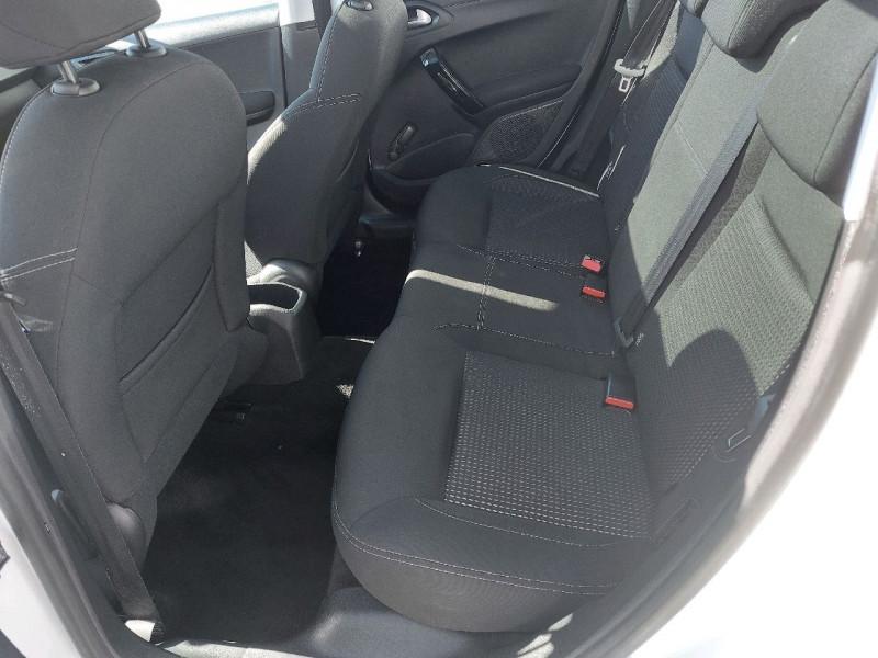 Photo 7 de l'offre de PEUGEOT 208 1.6 BLUEHDI 120CH ALLURE S&S 5P à 13990€ chez Carlyss automobiles Vitré