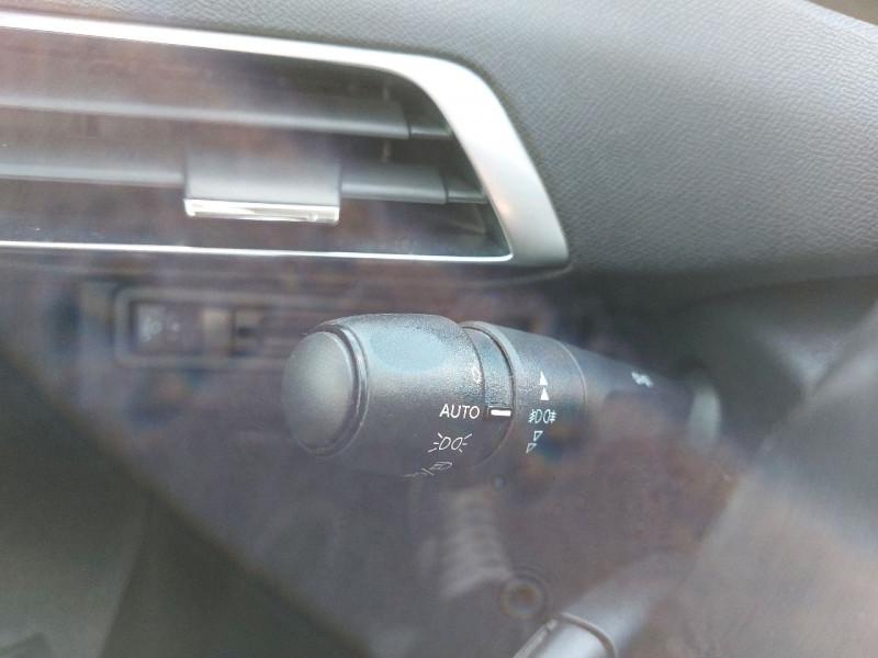 Photo 15 de l'offre de PEUGEOT 3008 1.5 BLUEHDI 130CH E6.C ACTIVE S&S à 20990€ chez Carlyss automobiles Vitré