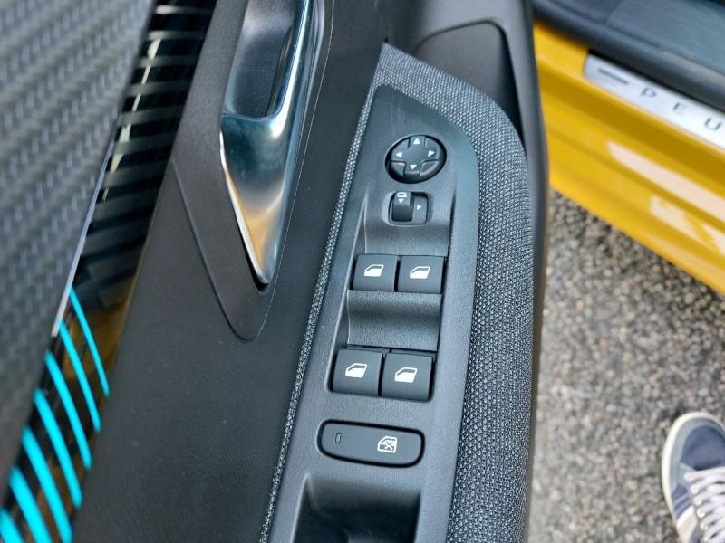 Photo 12 de l'offre de PEUGEOT 208 1.2 PURETECH 100CH S&S STYLE EAT8 à 21990€ chez Carlyss automobiles Vitré
