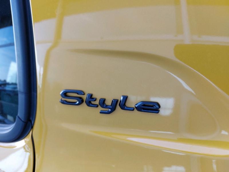 Photo 5 de l'offre de PEUGEOT 208 1.2 PURETECH 100CH S&S STYLE EAT8 à 21990€ chez Carlyss automobiles Vitré