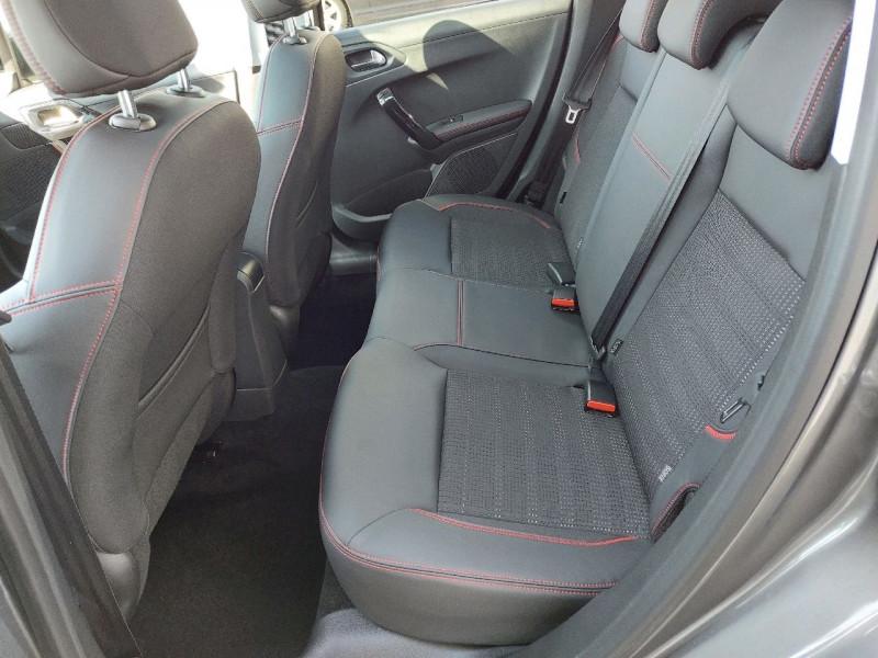 Photo 9 de l'offre de PEUGEOT 208 1.6 BLUEHDI 120CH GT LINE S&S 5P à 14990€ chez Carlyss automobiles Vitré