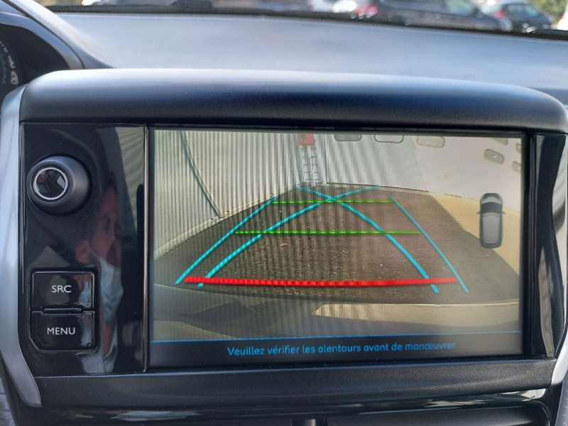 Photo 18 de l'offre de PEUGEOT 208 1.6 BLUEHDI 120CH GT LINE S&S 5P à 14990€ chez Carlyss automobiles Vitré