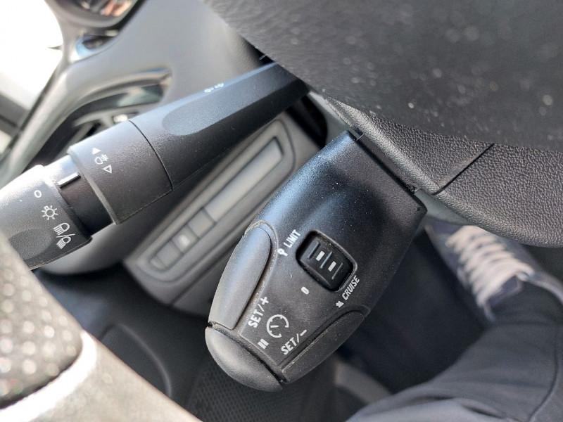 Photo 10 de l'offre de PEUGEOT 208 1.2 VTI ACCESS 5P à 7990€ chez Carlyss automobiles Vitré