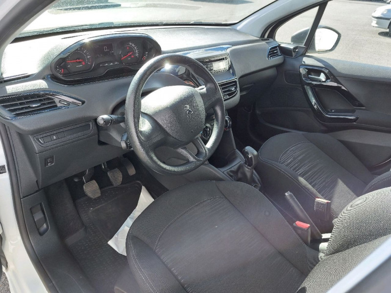 Photo 5 de l'offre de PEUGEOT 208 1.2 VTI ACCESS 5P à 7990€ chez Carlyss automobiles Vitré