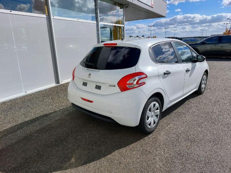 Photo 3 de l'offre de PEUGEOT 208 1.2 VTI ACCESS 5P à 7990€ chez Carlyss automobiles Vitré