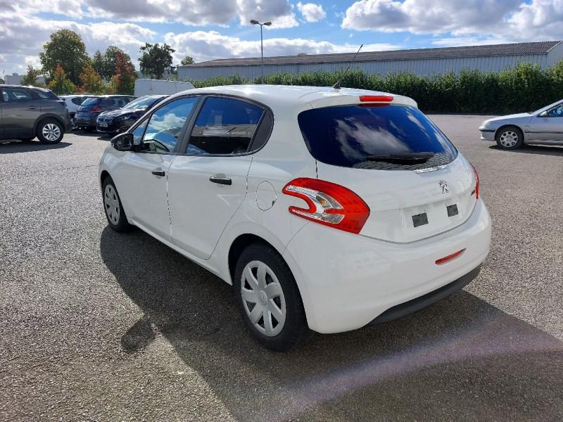 Photo 4 de l'offre de PEUGEOT 208 1.2 VTI ACCESS 5P à 7990€ chez Carlyss automobiles Vitré
