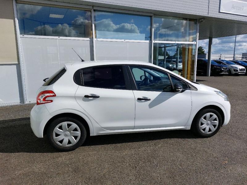 Photo 2 de l'offre de PEUGEOT 208 1.2 VTI ACCESS 5P à 7990€ chez Carlyss automobiles Vitré