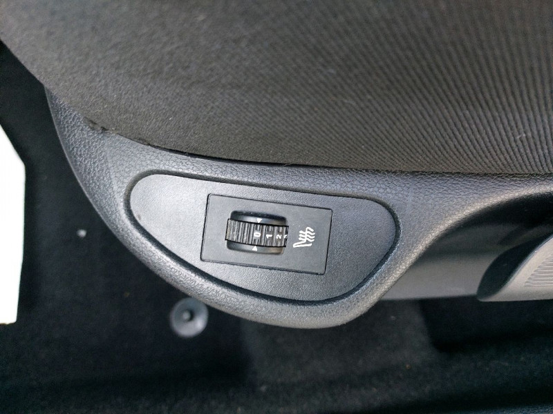 Photo 10 de l'offre de PEUGEOT 308 SW 1.6 E-HDI115 FAP ACCESS à 6490€ chez Carlyss automobiles Vitré