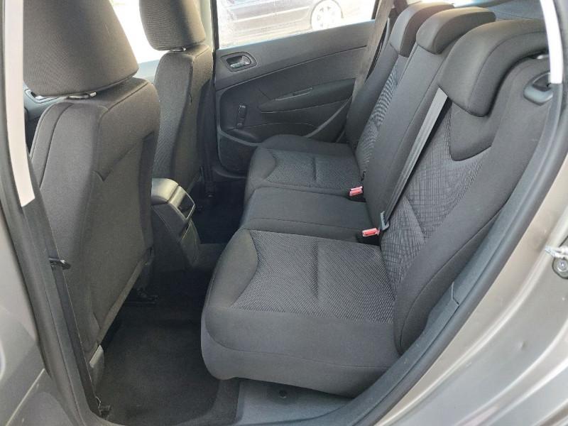Photo 8 de l'offre de PEUGEOT 308 SW 1.6 E-HDI115 FAP ACCESS à 6490€ chez Carlyss automobiles Vitré