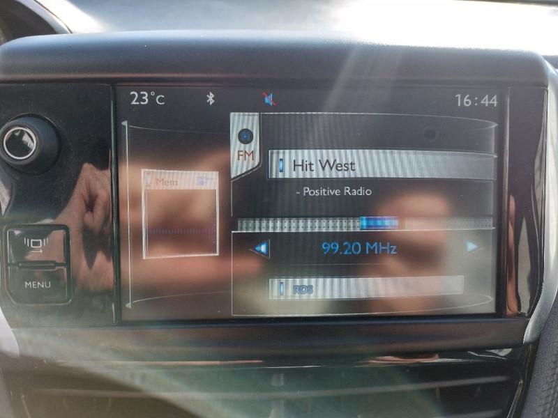 Photo 20 de l'offre de PEUGEOT 2008 1.6 E-HDI115 FAP ALLURE à 10990€ chez Carlyss automobiles Vitré
