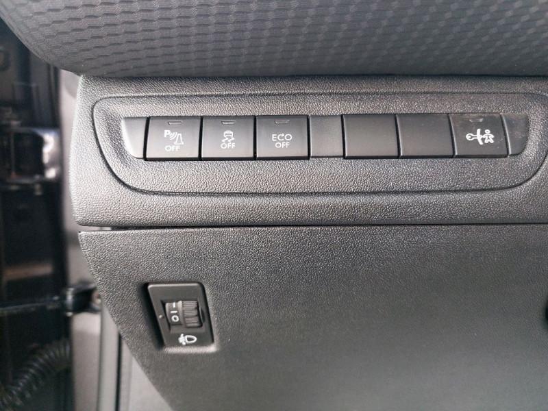 Photo 16 de l'offre de PEUGEOT 2008 1.6 E-HDI115 FAP ALLURE à 10990€ chez Carlyss automobiles Vitré