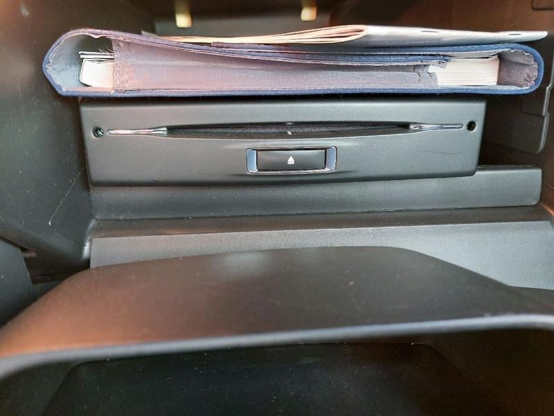 Photo 15 de l'offre de PEUGEOT 2008 1.6 E-HDI115 FAP ALLURE à 10990€ chez Carlyss automobiles Vitré