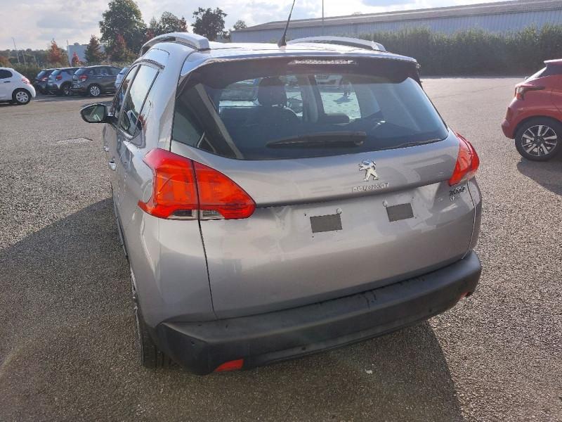 Photo 4 de l'offre de PEUGEOT 2008 1.2 PURETECH 110CH ACTIVE à 10990€ chez Carlyss automobiles Vitré
