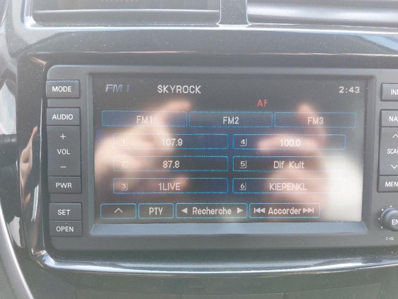 Photo 17 de l'offre de CITROEN C4 AIRCROSS 1.6 E-HDI 4X2 COLLECTION à 12790€ chez Carlyss automobiles Vitré
