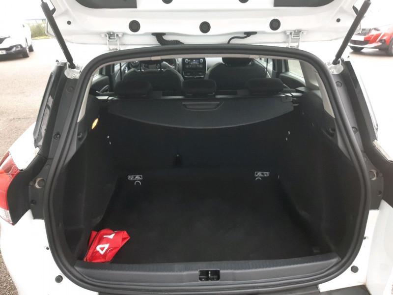 Photo 5 de l'offre de RENAULT CLIO IV ESTATE 1.5 DCI 90CH ENERGY ZEN EURO6C à 8790€ chez Carlyss automobiles Vitré