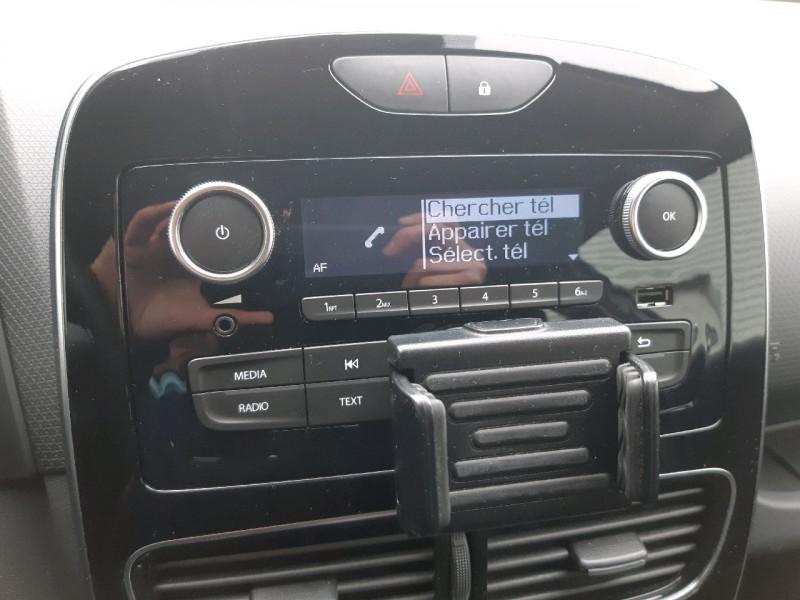 Photo 10 de l'offre de RENAULT CLIO IV ESTATE 1.5 DCI 90CH ENERGY ZEN EURO6C à 8790€ chez Carlyss automobiles Vitré