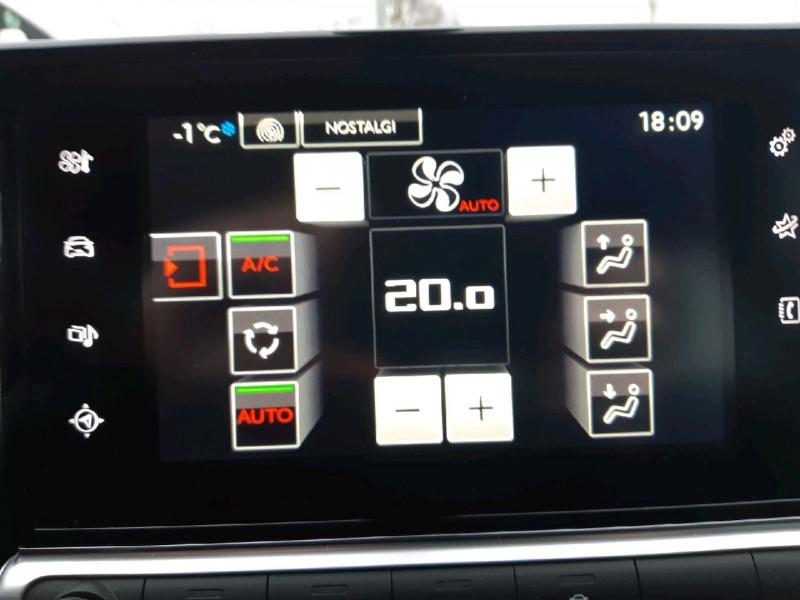 Photo 8 de l'offre de CITROEN C4 CACTUS PURETECH 82 SHINE à 11490€ chez Carlyss automobiles Vitré