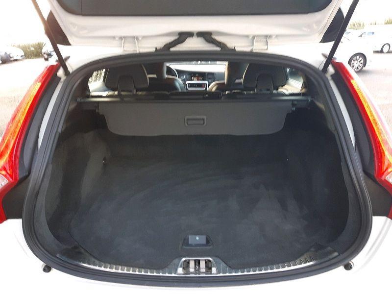 Photo 10 de l'offre de VOLVO V60 D4 190CH R-DESIGN GEARTRONIC à 13490€ chez Carlyss automobiles Vitré