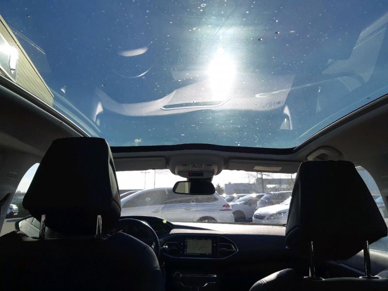 Photo 6 de l'offre de PEUGEOT 308 2.0 BLUEHDI 150CH ALLURE S&S EAT6 5P à 16990€ chez Carlyss automobiles Vitré