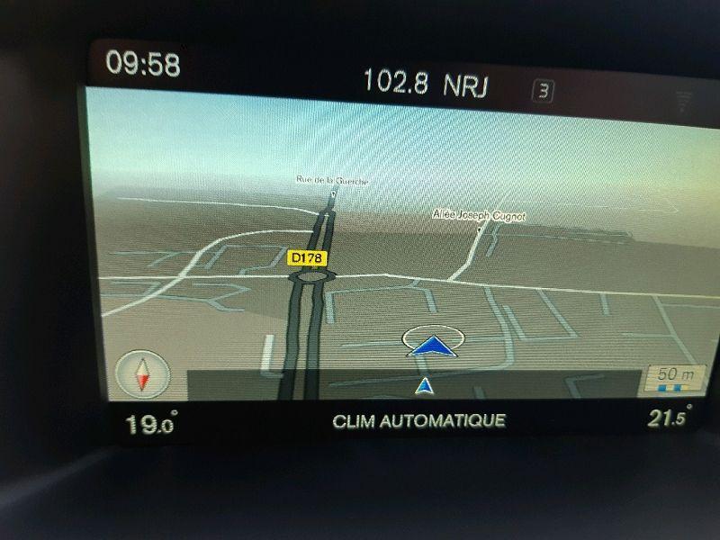 Photo 8 de l'offre de VOLVO V60 D4 190CH R-DESIGN GEARTRONIC à 13490€ chez Carlyss automobiles Vitré