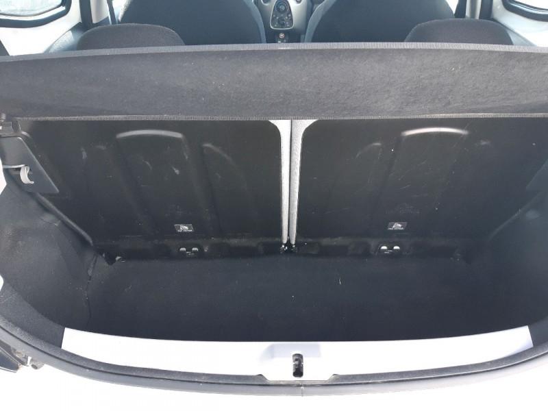 Photo 4 de l'offre de TOYOTA AYGO 1.0 VVT-I 69CH X-PLAY 5P à 7790€ chez Carlyss automobiles Vitré