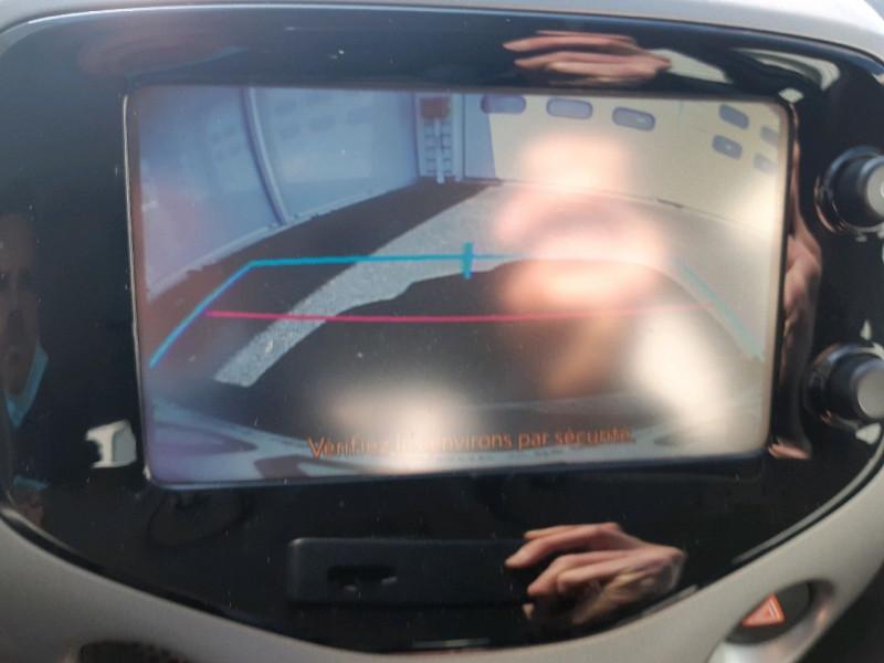 Photo 9 de l'offre de TOYOTA AYGO 1.0 VVT-I 69CH X-PLAY 5P à 7790€ chez Carlyss automobiles Vitré